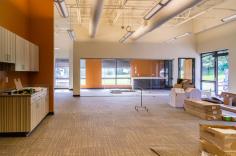 Flex Space: cold dark shell to warm bright office